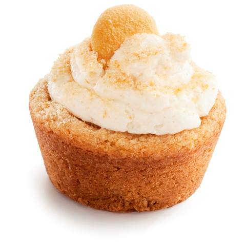 A Nilla Zilla Cuffin (Vanilla with Pudding and Bananas) from Zayna Bakes (Chicago) - Photo Courtesy of Zayna Bakes